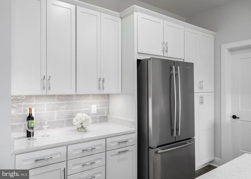 More Cabinets... - 44691 WELLFLEET DR #208, ASHBURN