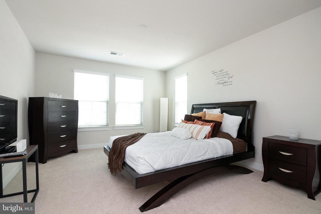 Bedroom 2 - 2612 CROSSVINE DR, DUMFRIES