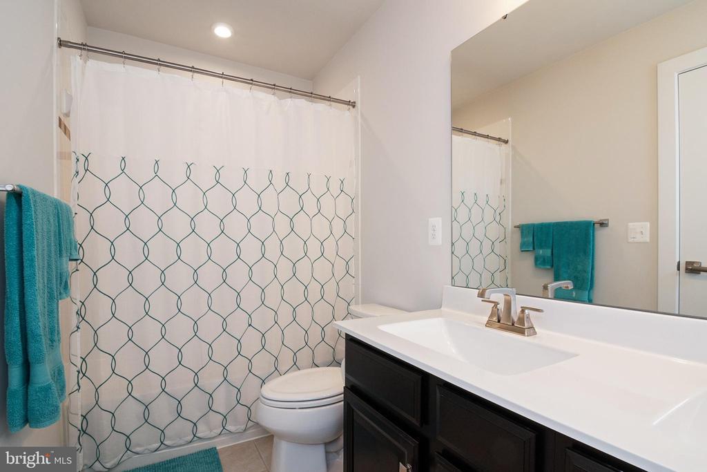 Bathroom 2 - 2612 CROSSVINE DR, DUMFRIES
