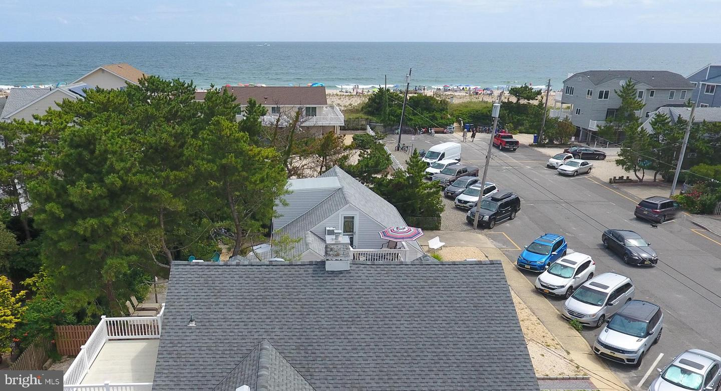 27 3RD ST - Picture 31