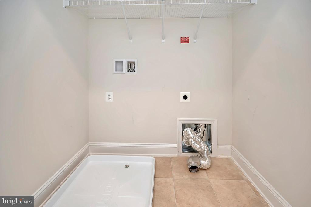Upper Level - Laundry Room - 17359 REDSHANK RD, DUMFRIES