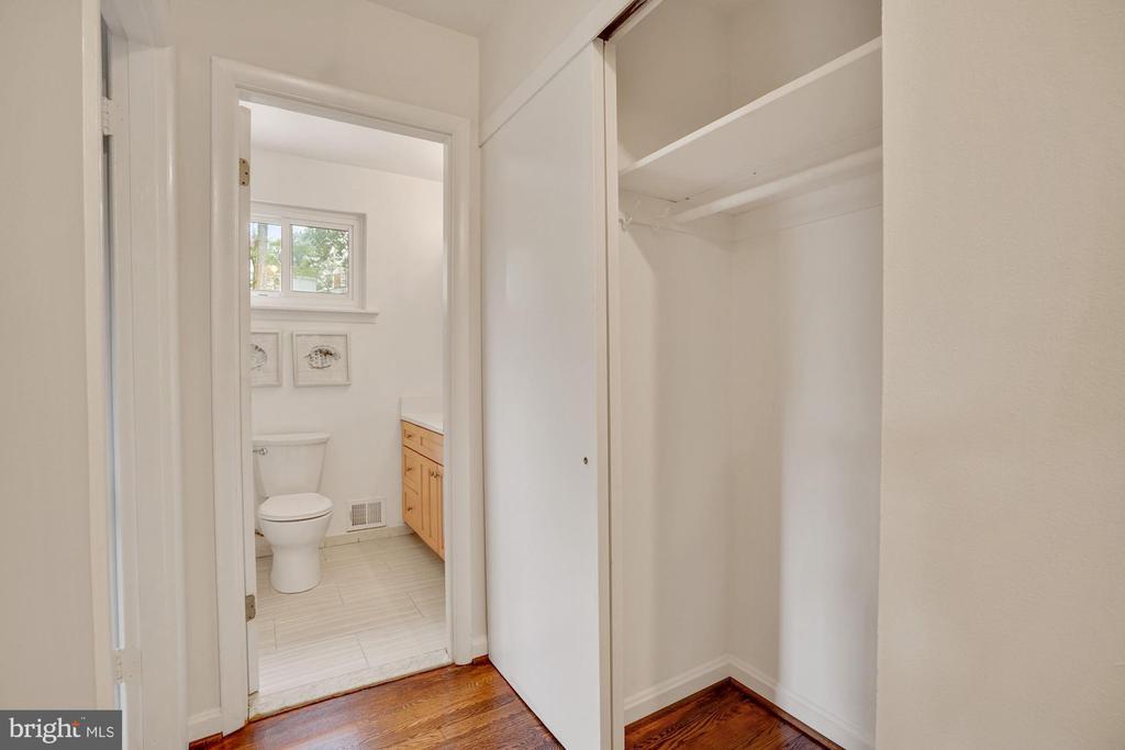 Main level bathroom and large hall closet - 5905 DEWEY DR, ALEXANDRIA