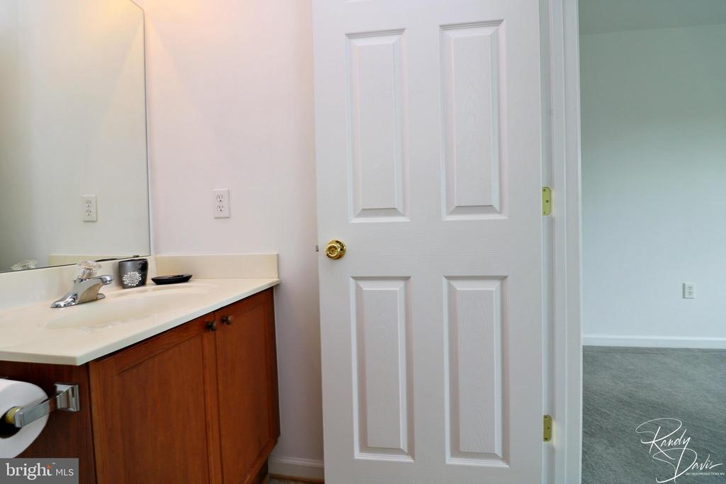 Attached Bath - 26 STONEWAY CT, CHARLES TOWN