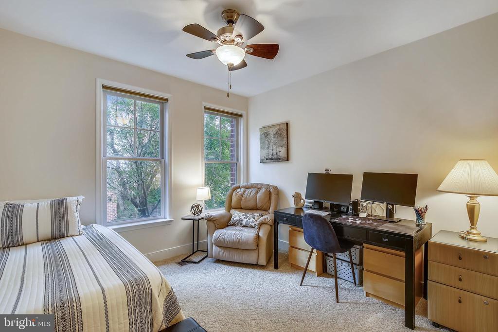 Features tall windows & a ceiling fan - 1418 N RHODES ST #B-112, ARLINGTON