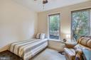 Generous 2nd bedroom - 1418 N RHODES ST #B-112, ARLINGTON