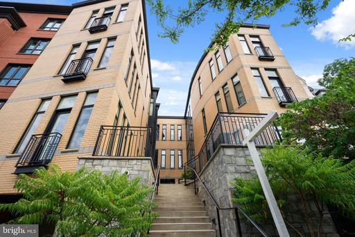 1307 CLIFTON ST NW #34