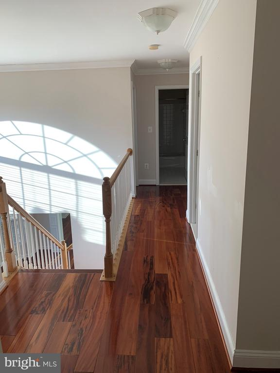 - 46728 HOLLOW MOUNTAIN PL, STERLING