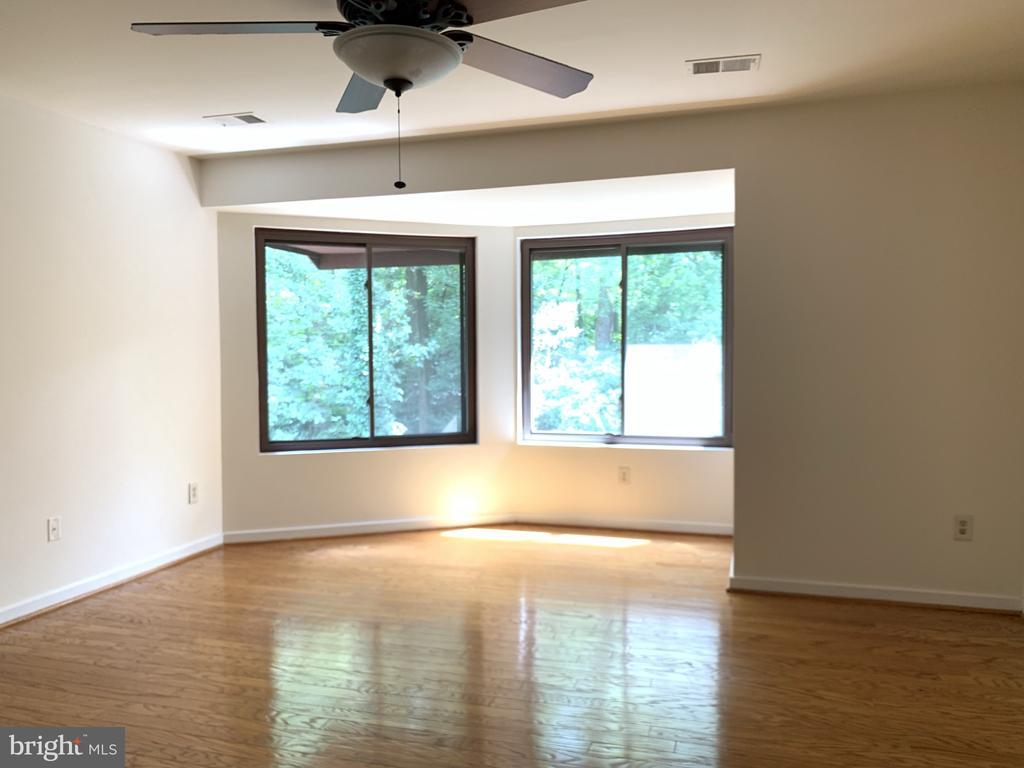 Primary bedroom hardwoods - 11605 CLUBHOUSE CT, RESTON