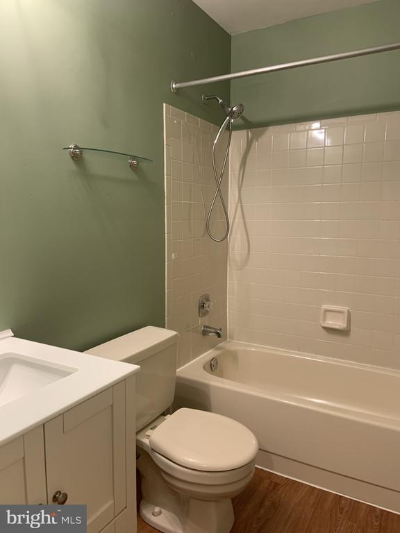 Lower level renovated full bath - 11605 CLUBHOUSE CT, RESTON