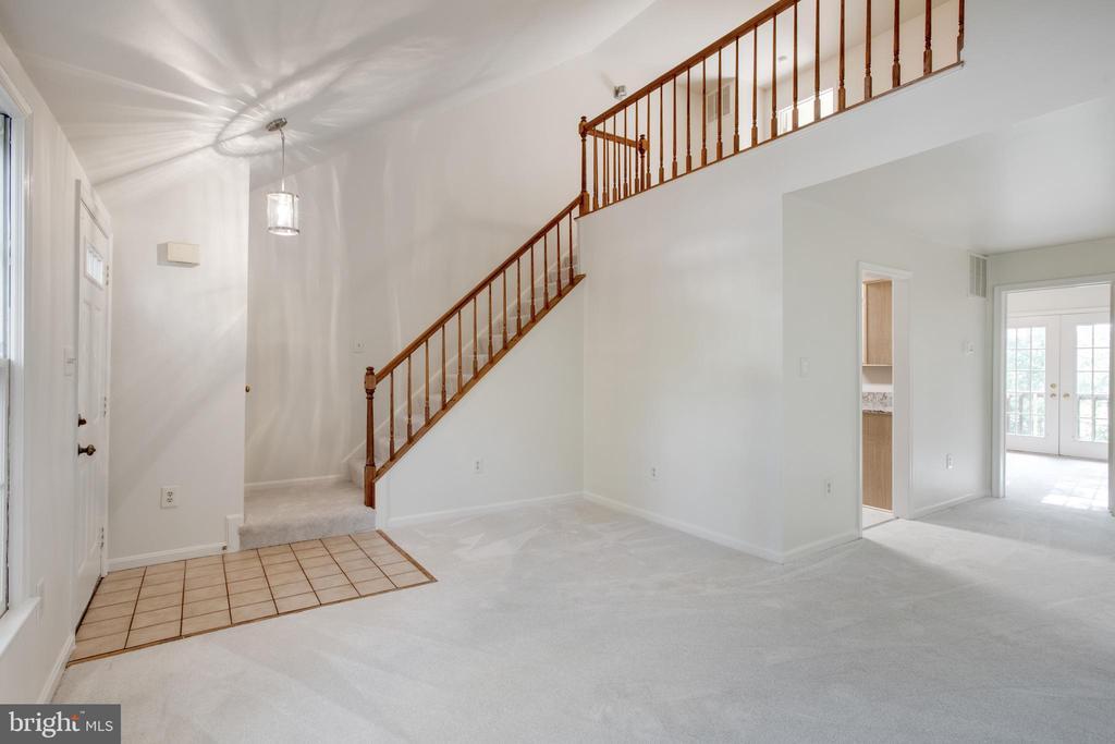 Foyer-Living Room-Loft - 14499 WHISPERWOOD CT, DUMFRIES