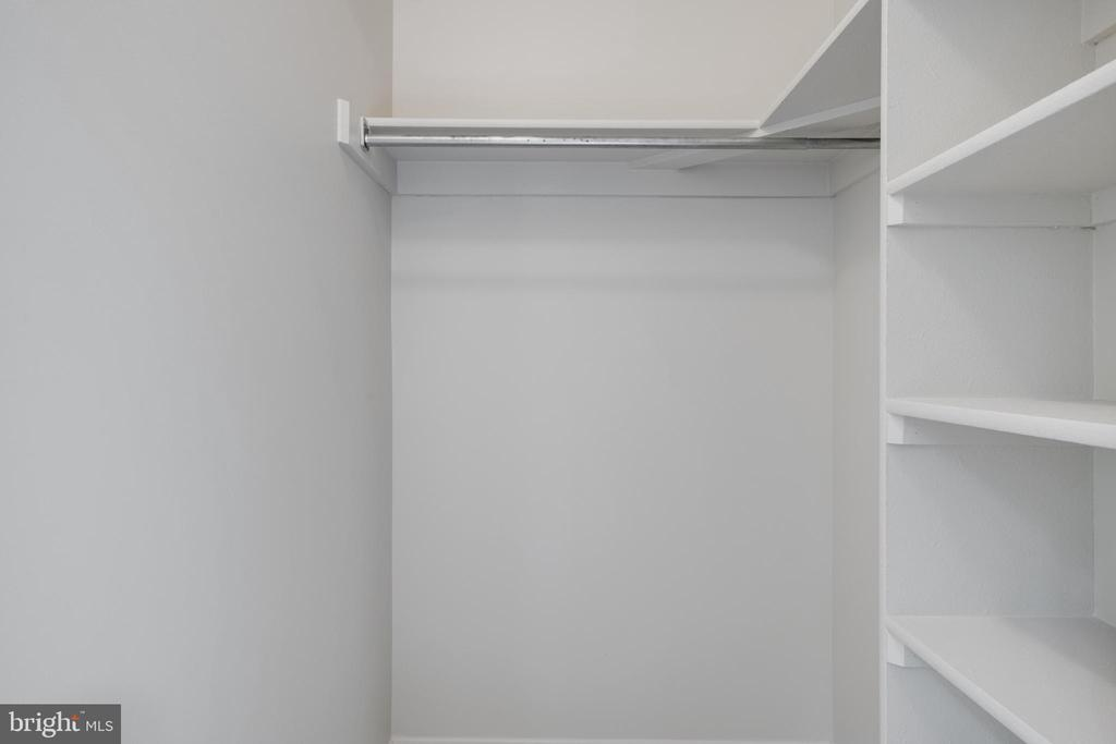 Walk in closet-Bedroom Two - 14499 WHISPERWOOD CT, DUMFRIES