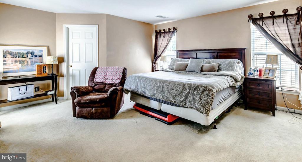Master Bedroom - 17053 LOFTRIDGE LN, GAINESVILLE