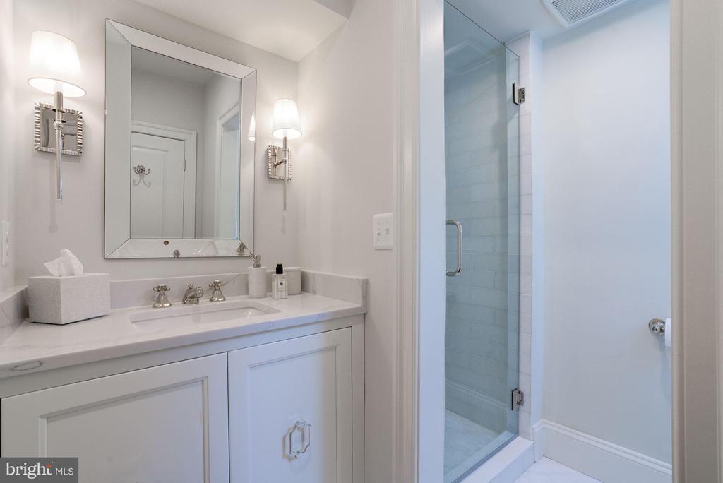 Marble Guest Bath - 3315 HIGHLAND PL NW, WASHINGTON