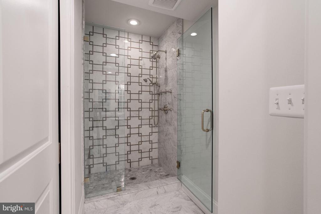 Marble, Glass Enclosed Walk-In Shower - 3315 HIGHLAND PL NW, WASHINGTON