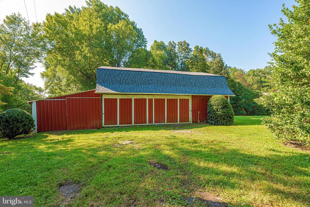 Pole Barn - 19121 WINDSOR FOREST RD, MOUNT AIRY