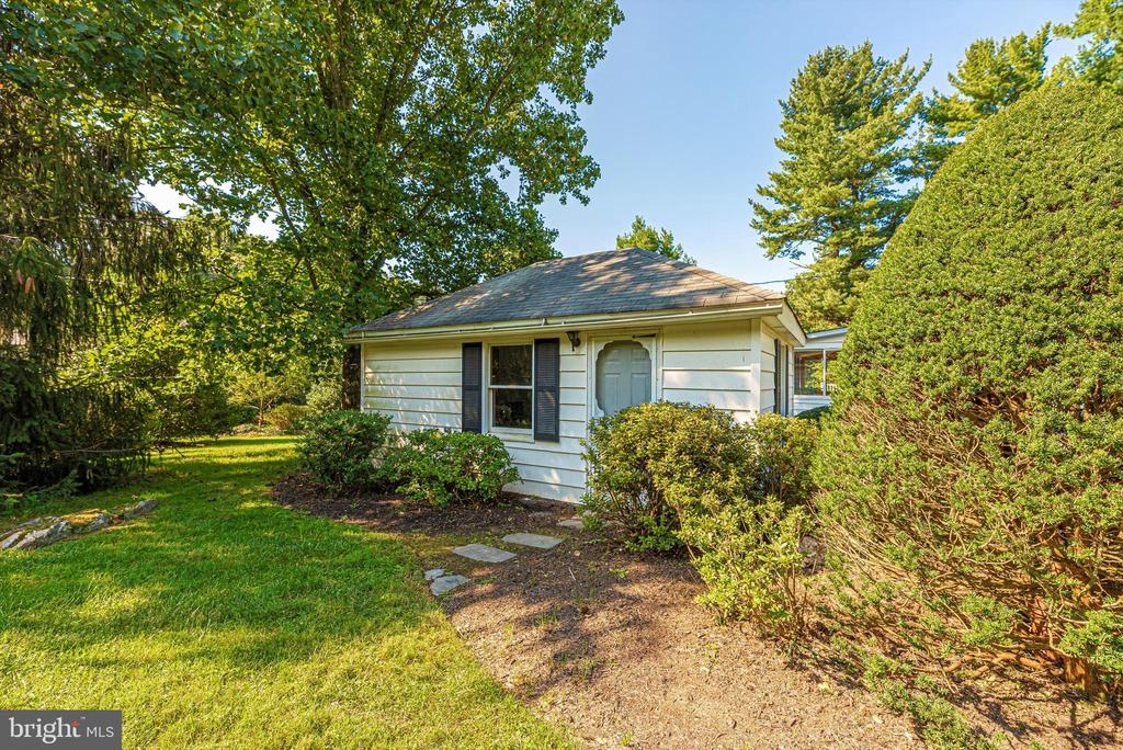 Separate apartment/office studio - 19121 WINDSOR FOREST RD, MOUNT AIRY