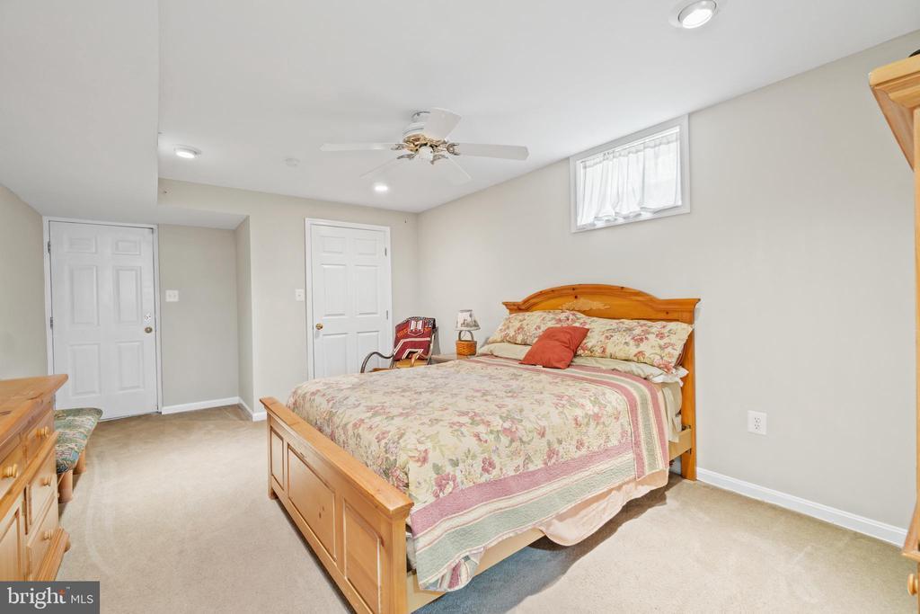 Basement bedroom - 15997 KENSINGTON PL, DUMFRIES