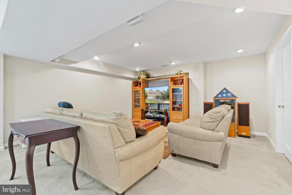 Rec Room with recessed lighting in basement - 15997 KENSINGTON PL, DUMFRIES