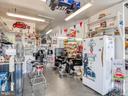 Office area in detached garage/workshop - 140 BOWMAN LN, WINCHESTER