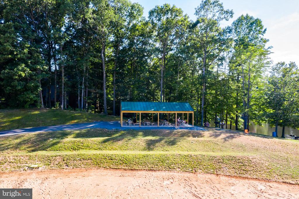 Dolphin Beach Picnic Area - 15697 THISTLE CT, DUMFRIES