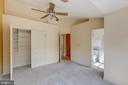 Ceiling fan & custom closet - 47642 WINDRIFT TER, STERLING