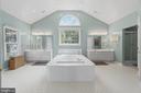 Luxury Primary Bath with extra large tub - 15997 KENSINGTON PL, DUMFRIES
