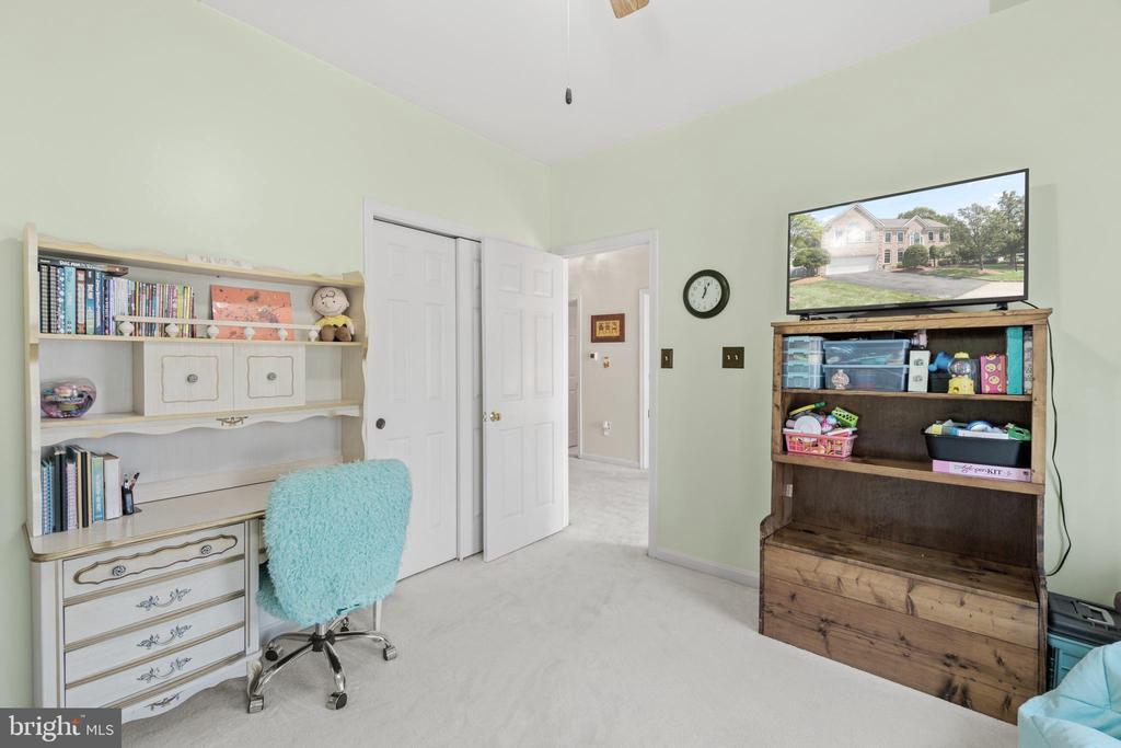 Bedroom 1 on the upper level - 15997 KENSINGTON PL, DUMFRIES