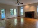 AMESOME FAMILY ROOM WITH F/P! - 27 SARASOTA DR, STAFFORD