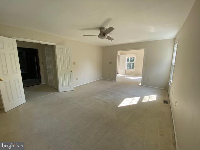OWNERS SUITE WITH LARGE SITTING AREA - 27 SARASOTA DR, STAFFORD