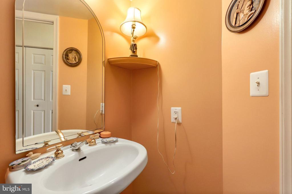 Half Bath/Powder Room - 2151 JAMIESON AVE #2109, ALEXANDRIA
