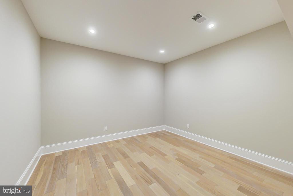 Den #2 or Storage Room #2, lower level - 3104 SLEEPY HOLLOW RD, FALLS CHURCH