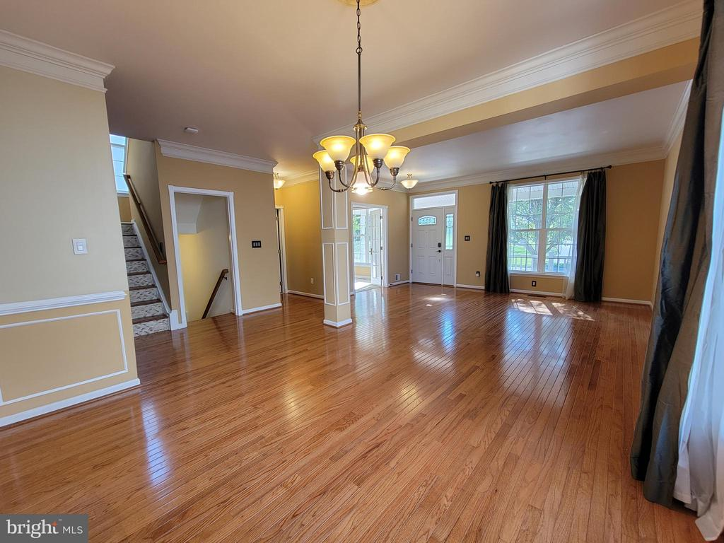 Looking from Dining toward Living Area - 25452 CROSSFIELD, CHANTILLY