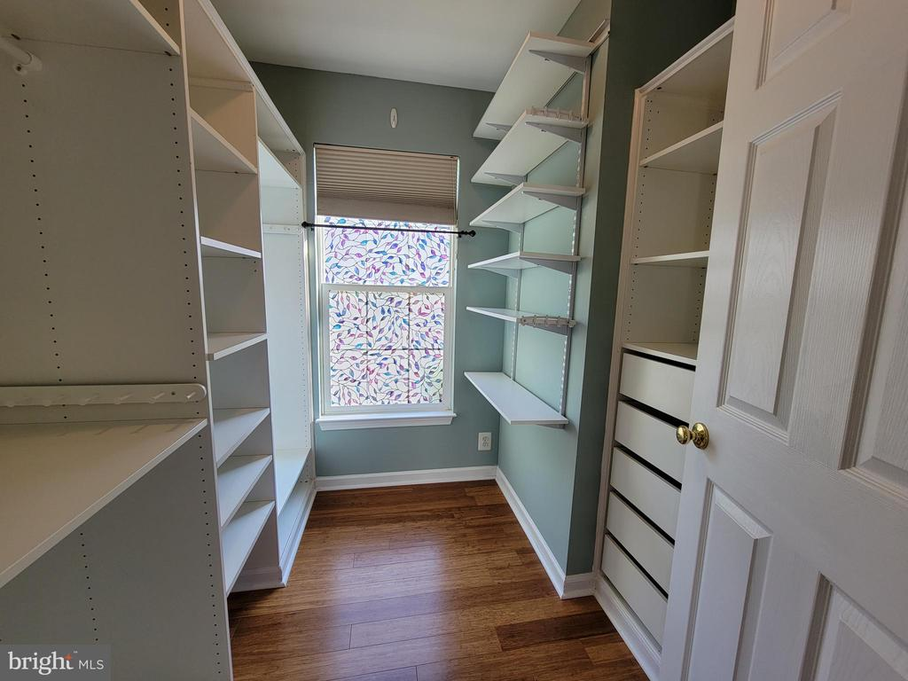 2nd Walk-in Closet  with built-ins - 25452 CROSSFIELD, CHANTILLY