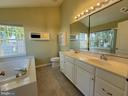 Primary Bathroom with DOUBLE SINKS, Tub & Shower - 25452 CROSSFIELD, CHANTILLY