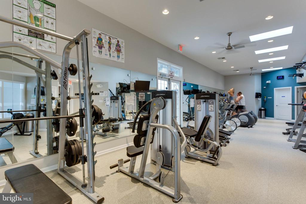 Fitness center with treadmills, bikes, weights - 1277 N VAN DORN ST, ALEXANDRIA