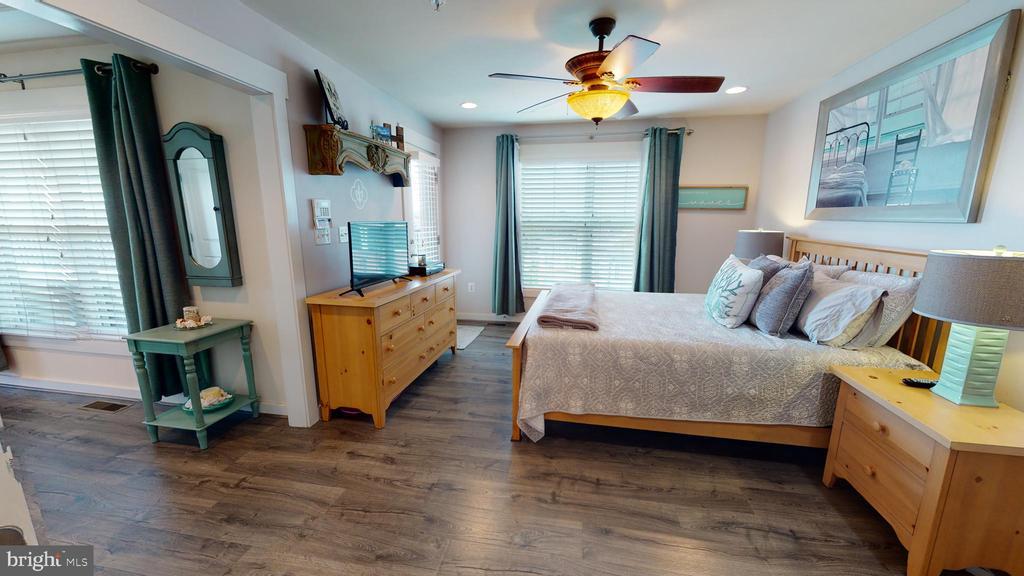 Expansive owner's suite - 22469 VERDE GATE TER, BRAMBLETON