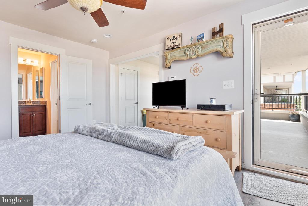 Private balcony access from your bedroom - 22469 VERDE GATE TER, BRAMBLETON