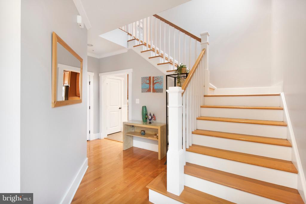 Lets go upstairs... - 2440 POTOMAC RIVER BLVD, DUMFRIES