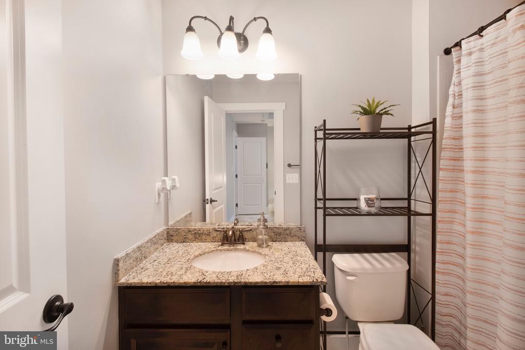 Upstairs bathroom 1 - 2440 POTOMAC RIVER BLVD, DUMFRIES