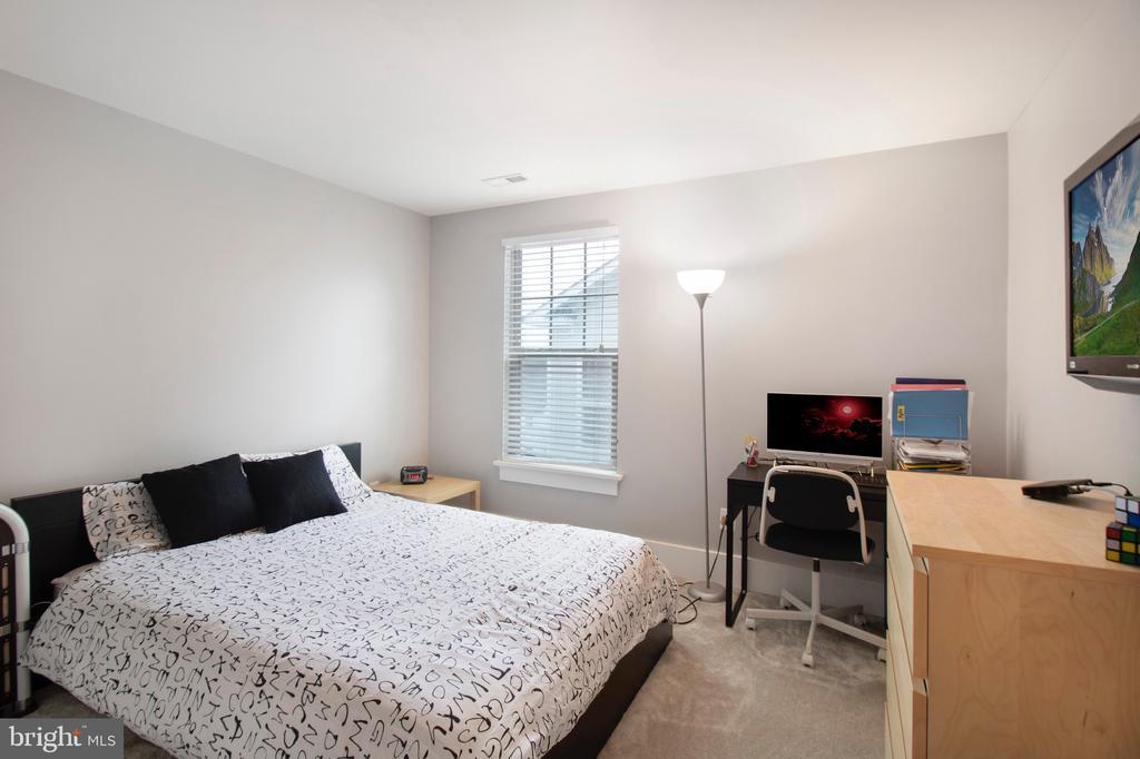 Upstairs bedroom 2 - 2440 POTOMAC RIVER BLVD, DUMFRIES