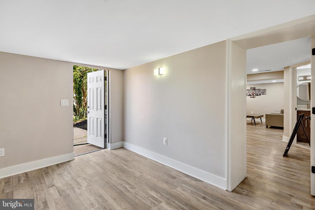 Storage area and walk-out hallway - 2217 FRANKLIN ST NE, WASHINGTON