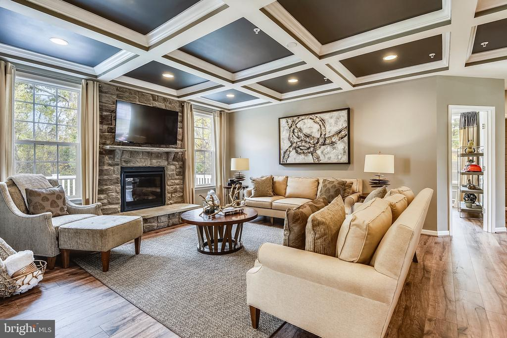 Spacious Family Room - 530 WATERSVILLE RD, MOUNT AIRY