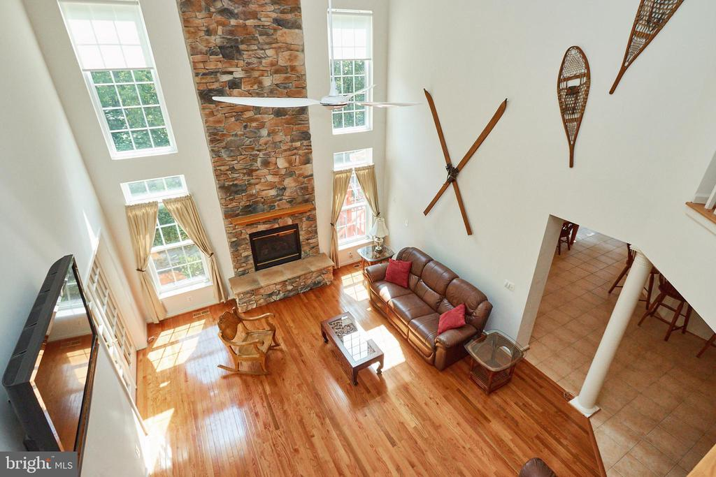 View to the family room from the 2nd level hall - 619 BRECKENRIDGE WAY, SHENANDOAH JUNCTION