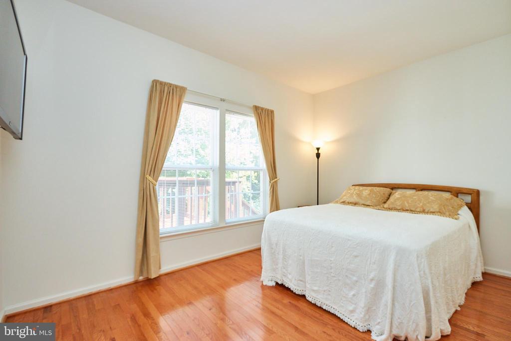 Option main level guest bedroom or office - 619 BRECKENRIDGE WAY, SHENANDOAH JUNCTION