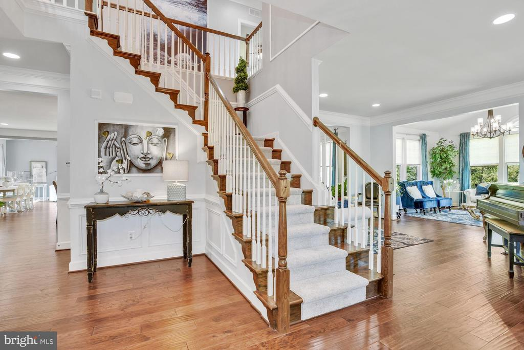 Welcome Foyer Entry - 41192 BLACK BRANCH PKWY, LEESBURG