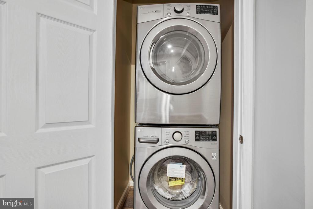 Laundry Closet in Lower Level Apartment - 41192 BLACK BRANCH PKWY, LEESBURG
