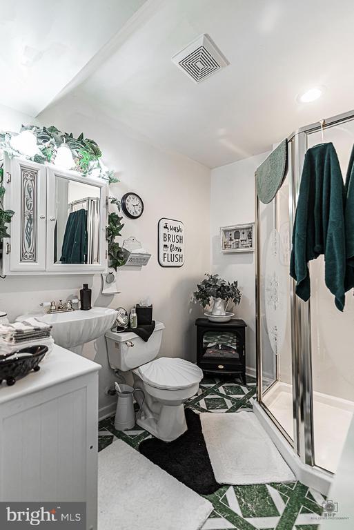 Lower Level Full Bathroom - 990 WILLOWDALE DR, SHEPHERDSTOWN