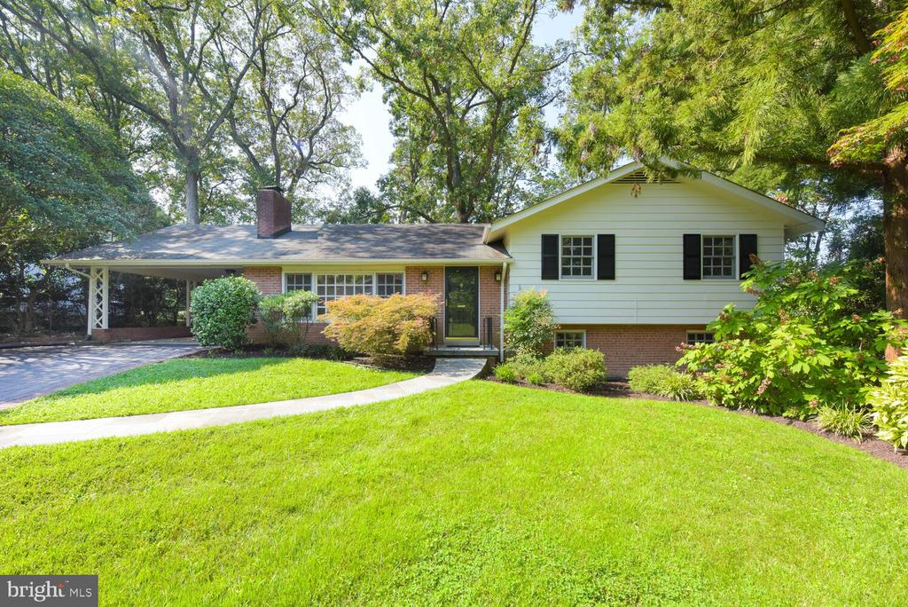 Beautifully maintained Belle Haven home - 2305 WINDSOR RD, ALEXANDRIA