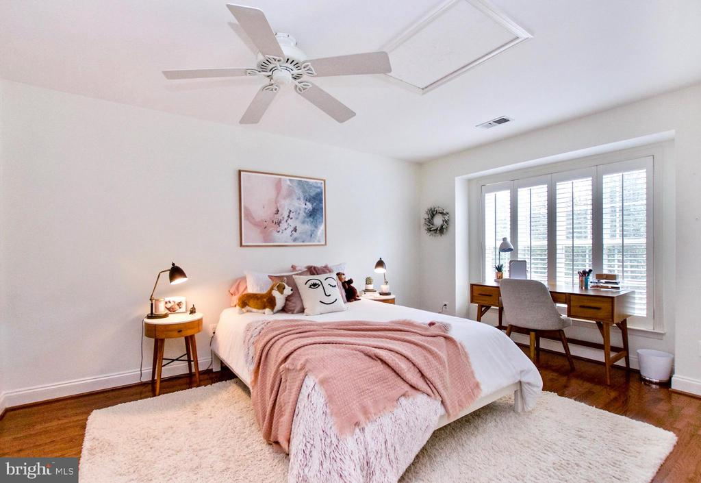 Spacious Bedroom #2 on front of home - 25659 TREMAINE TER, CHANTILLY