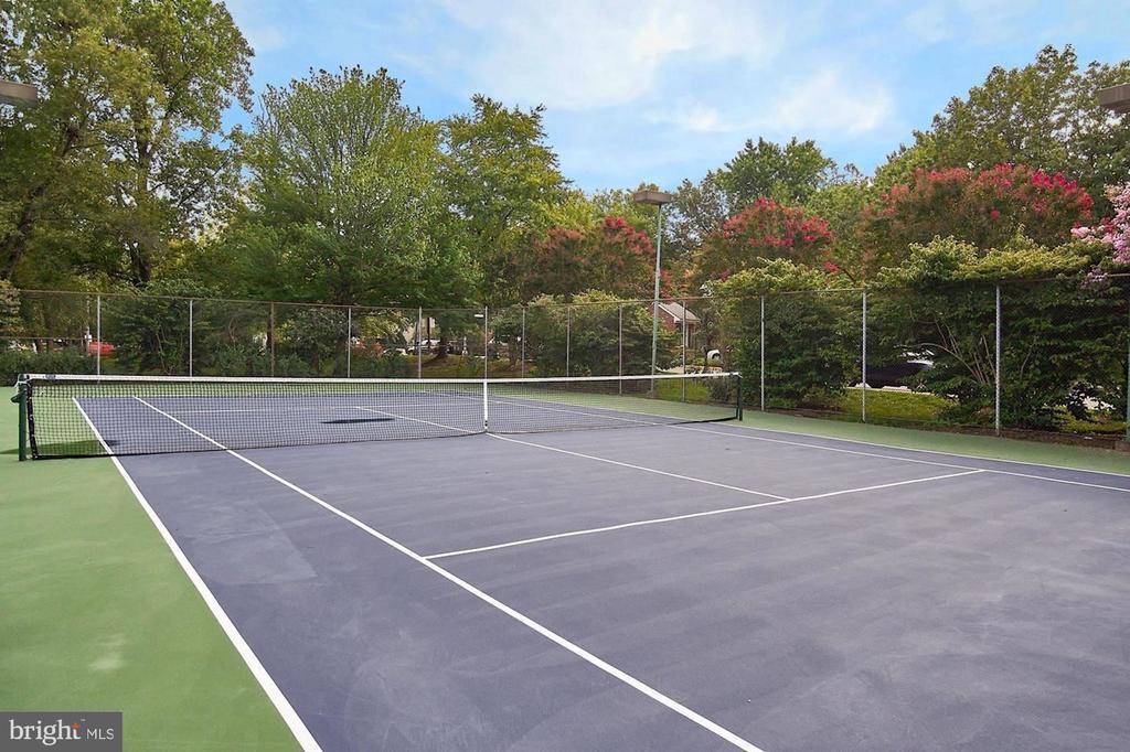 Tennis Court 2 - 2621 S WALTER REED DR #D, ARLINGTON